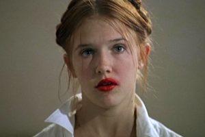 Batons (e as 7 melhores dicas) para beijar e não borrar