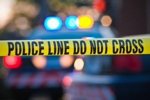 ALERTA ATAQUE: Homem de 27 anos mata uma pessoa e fere oito em centro comercial