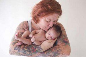 Mulher desiste da adoção ao ver a cara da bebé