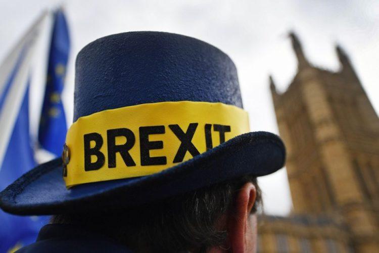 Resultado de imagem para Londres acelera preparativos e contrata milhares para preparar saída da União Europeia