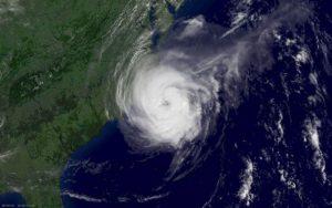 Tempestade tropical Ophelia subiu à categoria de furacão e aproxima-se de Portugal
