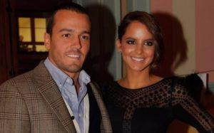 Sara Matos invade bastidores da TVI e surpreende o namorado Pedro Teixeira