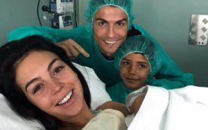 Alana Martina: Filha de Cristiano Ronaldo já está em casa