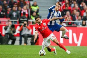 Benfica-FC Porto: Golo solitário de Herrera ao cair do pano [vídeo com resumo do jogo]