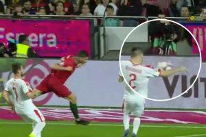 portugal-servia penalti perdoado