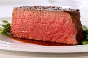 Líquido vermelho que sai da carne crua não é sangue