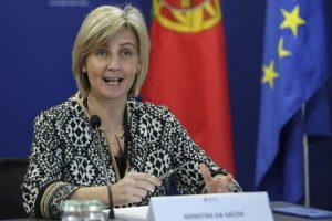 Marta Temido não exclui hipótese de voltar a adotar «medidas de aperto»