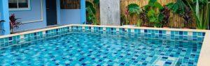 Encontra a filha afogada na piscina em Amarante