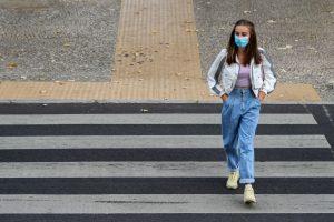 Covid-19: Parlamento prolonga uso obrigatório de máscaras na rua por mais três meses