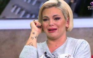 Fanny Rodrigues chora em direto e faz apelo emocionado à Voz