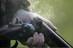 Tenta matar ex-companheira com tiros de caçadeira