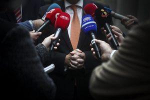 Covid-19: Carta aberta às televisões critica «pseudonotícias» que «só servem para lançar o pânico»