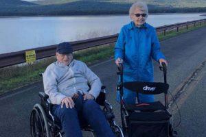 Casal encontra o amor aos 94 anos durante pandemia