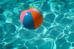 Bebé de dois anos morre afogada na piscina da família