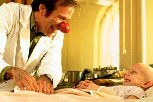 Robin Williams foi o escolhido para a interpretação de homenagem ao pediatra Patch Adams