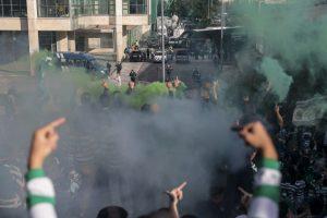 Confrontos entre adeptos e polícias junto ao Estádio José Alvalade