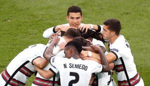 Portugal bate Hungria por 3-0 e bis de Cristiano Ronaldo
