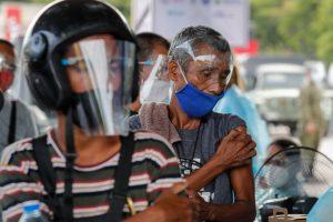 Covid-19: Presidente das Filipinas ameaça prender quem recusar vacina