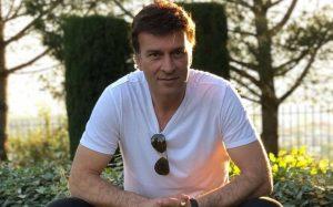 Tony Carreira antecipa regresso aos palcos e bilhetes esgotam em tempo recorde