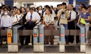 Detido suspeito de ataque em comboio de Tóquio que fez 10 feridos