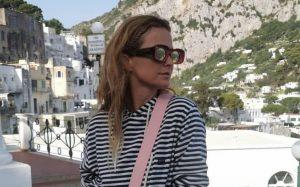 """Cristina Ferreira de calções justos e """"despenteada"""", diverte-se em Itália"""