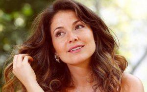 Gabriela Barros apaixonada por conhecido ator brasileiro