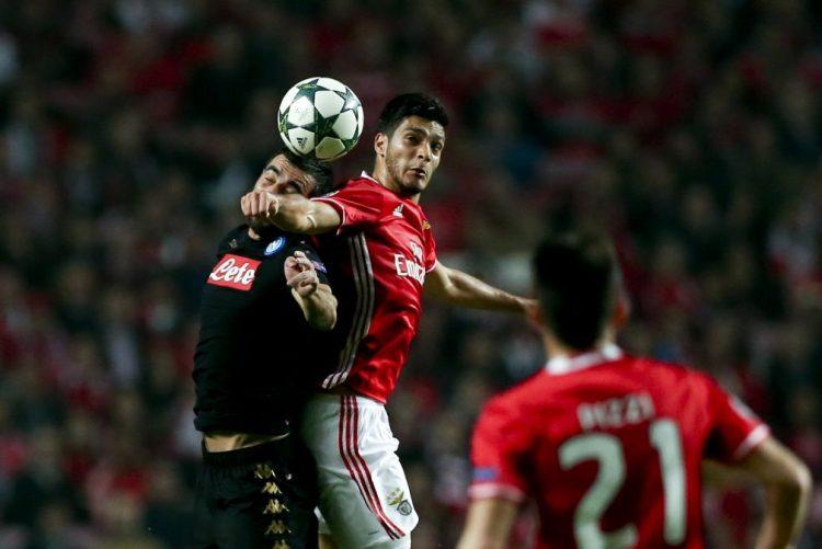 Benfica apura-se para os 'oitavos' da Liga dos Campeões, mesmo perdendo com Nápoles