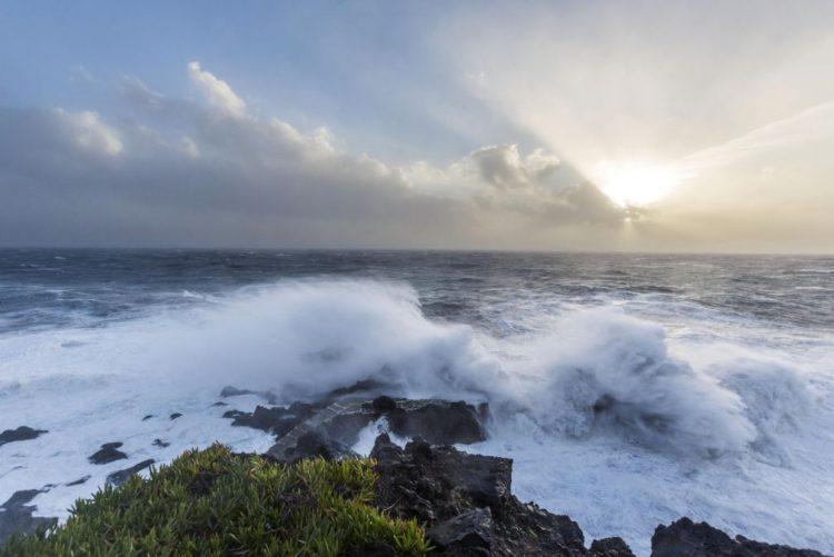 Escolas das Flores e Corvo, nos Açores, fechadas quarta-feira por mau tempo
