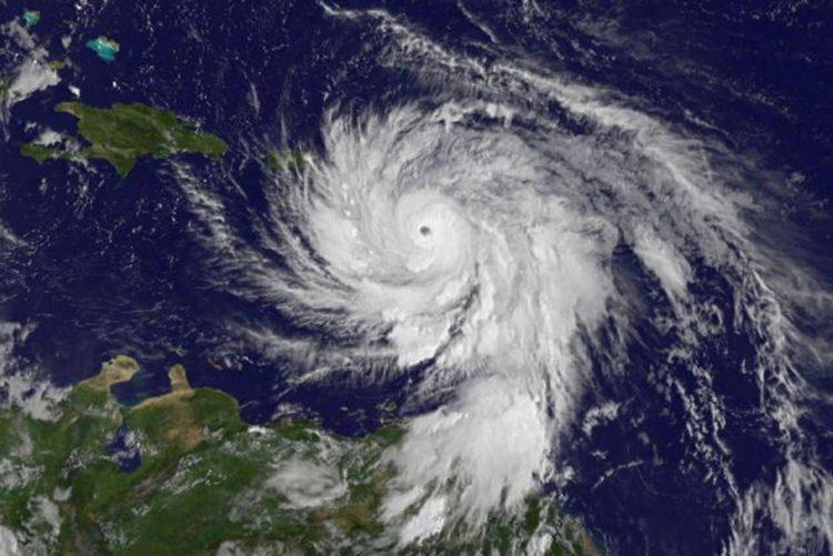 Furacão Maria ameaça Ilhas Virgens e Porto Rico com potencial catástrofe