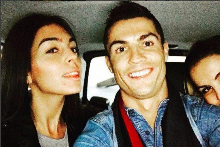 25d537ad28 ... Cristiano Ronaldo. Georgina Rodríguez e Katia Aveiro encantadas com novo
