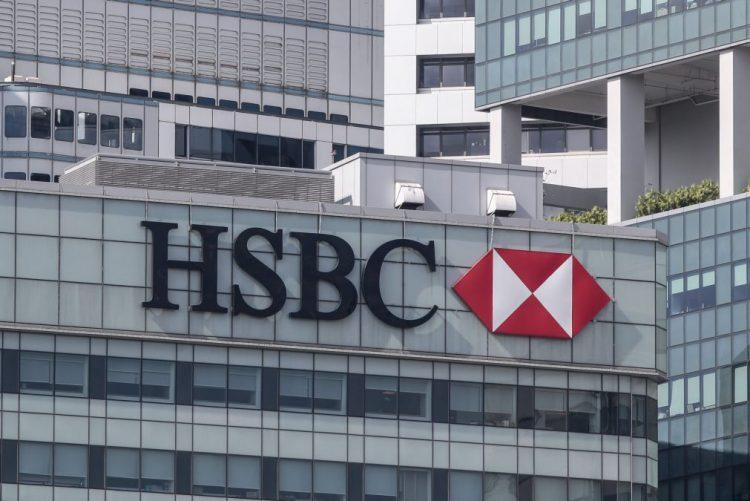Bruxelas multa bancos em 485 ME por cartelização de juros de produtos derivados