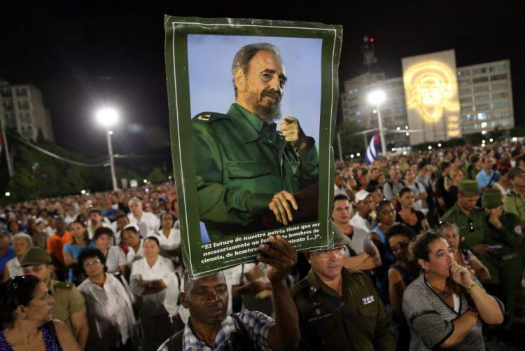 Óbito/ Fidel Castro: Cubanos e líderes da América Latina e África em homenagem em Havana
