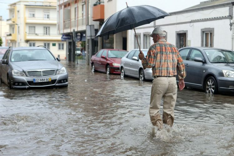 Distritos de Setúbal, Beja e Faro sob 'Aviso Amarelo' devido à chuva