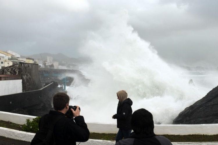 Proteção civil dos Açores com 27 ocorrências durante aviso vermelho