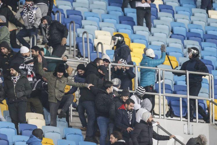 UEFA abre processos disciplinares a Dínamo de Kiev e Besiktas