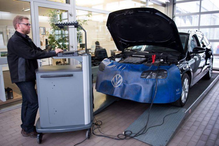 Bruxelas age contra sete Estados-membros devido ao escândalo da Volkswagen