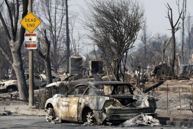 Número de mortos nos incêndios na Califórnia sobe para 42