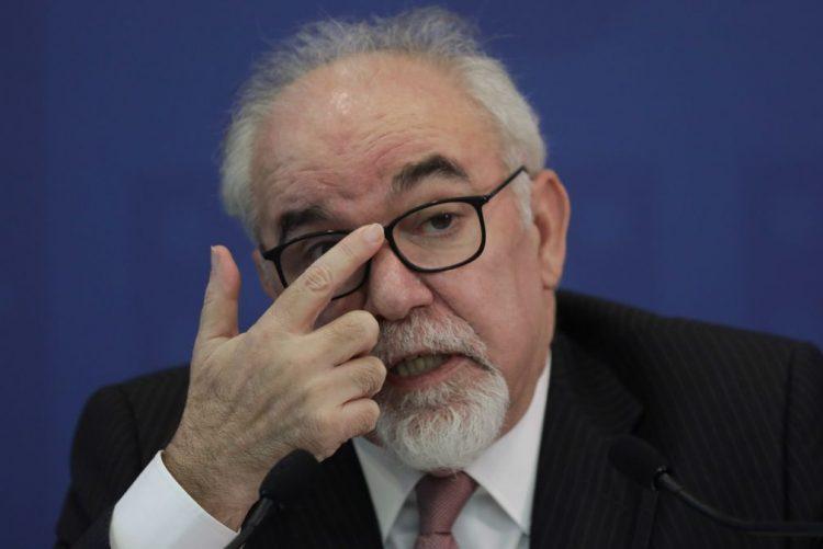 Alterações aos recibos verdes ainda este ano e TSU deverá ficar para 2019 - Vieira da Silva