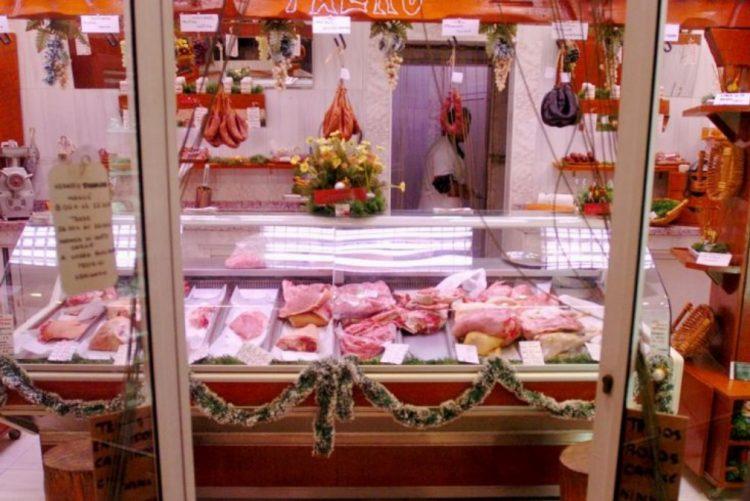 ALERTA: DECO encontra Salmonella e E Coli, de origem fecal em 80% da carne picada