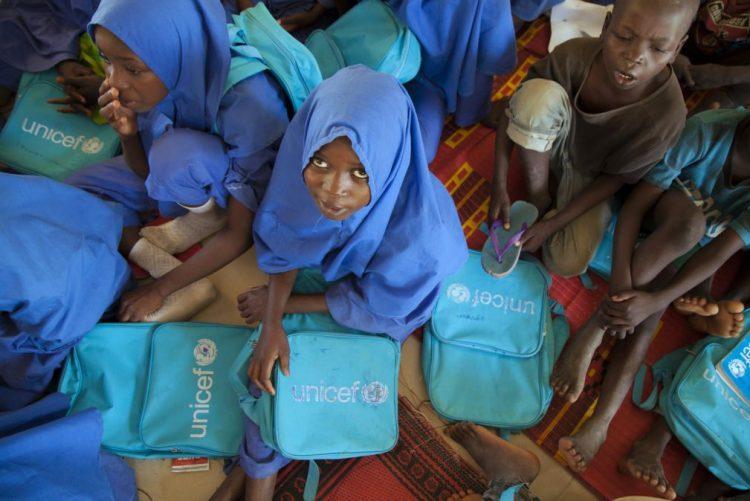 Mais de 530 milhões de crianças vivem em países afetados por conflitos ou catástrofes - UNICEF