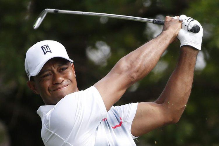 Tiger Woods regressa aos 'greens' nas Baamas após 16 meses de ausência
