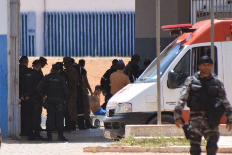 Cerca de 200 presos fogem de prisão brasileira após novo motim