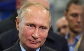 Covid-19: Rússia vai permitir aos estrangeiros vacinarem-se no país