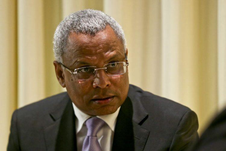 Ex-primeiro-ministro de Cabo Verde questiona transparência de negócios da TACV