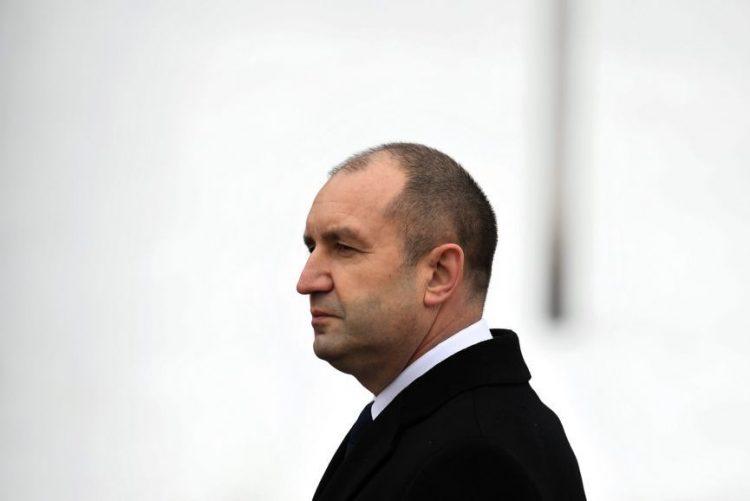 Novo Presidente da Bulgária dissolve parlamento e convoca eleições antecipadas