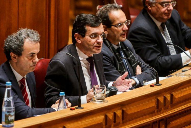 Ministro da Saúde: Muito perto de saber a «tal falha técnica» que levou ao surto de legionella