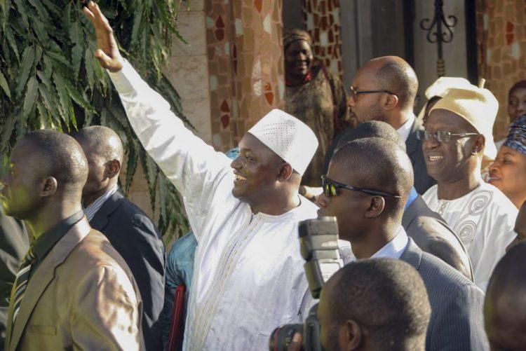 Novo presidente da Gâmbia chega ao país na quinta-feira - fonte governamental