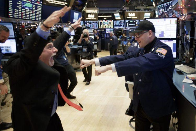 Bolsa nova-iorquina em alta com índice Dow Jones a ultrapassar 20.000 pontos