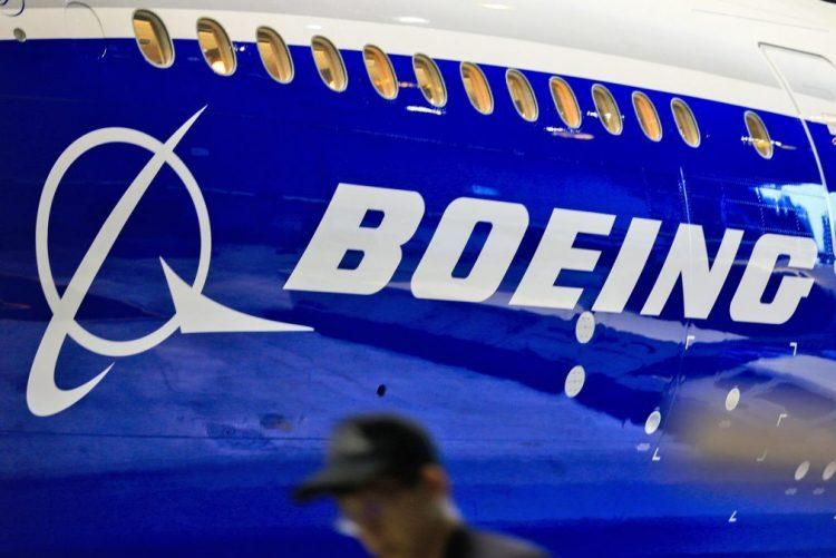 Lucro da Boeing cai em 2016 apesar de subida no 4.º trimestre