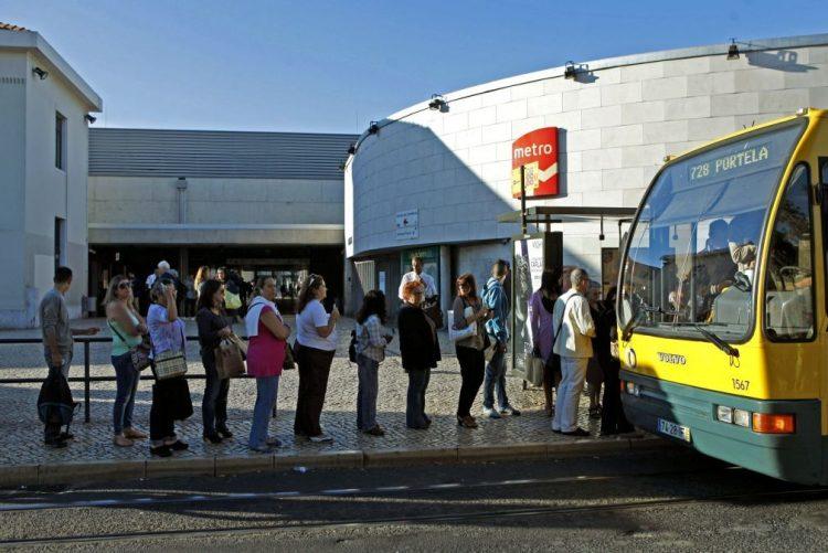 Descontos nos passes da Carris e Metro para crianças e idosos a 01 de fevereiro